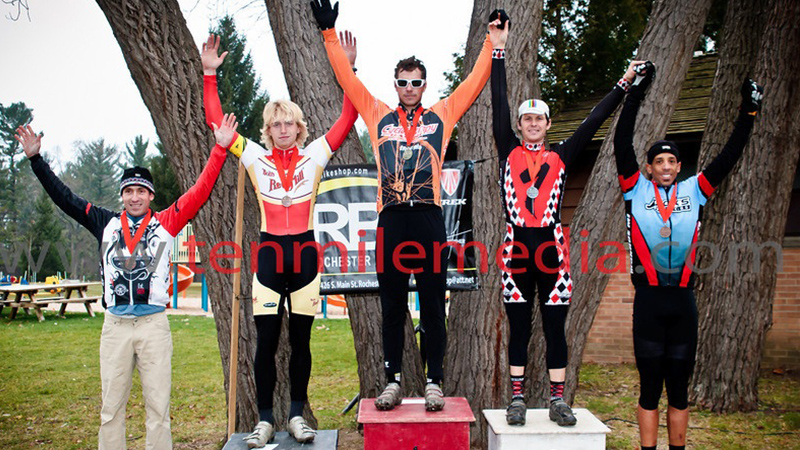 bloomer-CX-podium-race-cruise